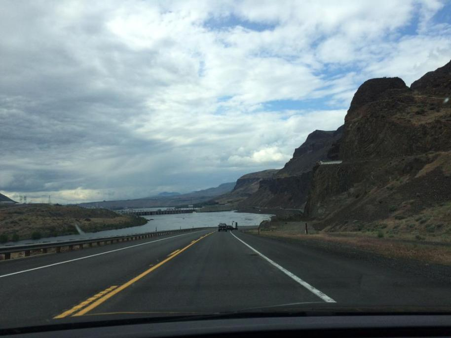 On the road from Yakima to Wenatchee. (Hoppers Twitter)
