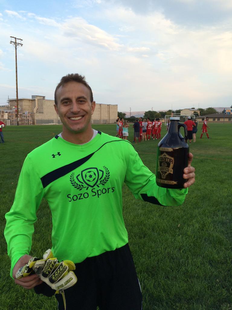 Jacob Rhoads wiht his Man of the Match award. (Hoppers Twitter)